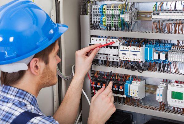 Electrical Electronics Engineer Image